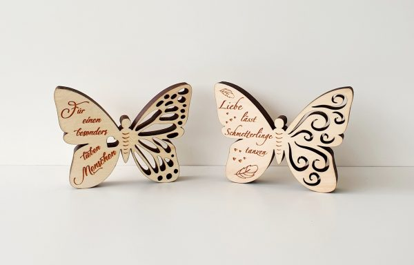 Schmetterling mit Schriftzug